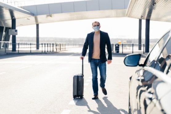 Transport de bagages valise en VTC à l'aéroport de Bordeaux Mérignac